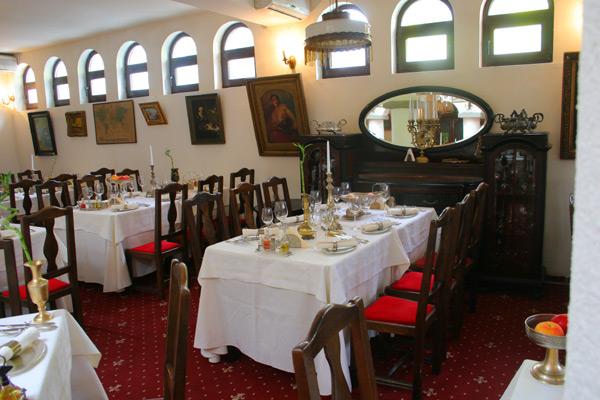 Locanta Jaristea Restaurant