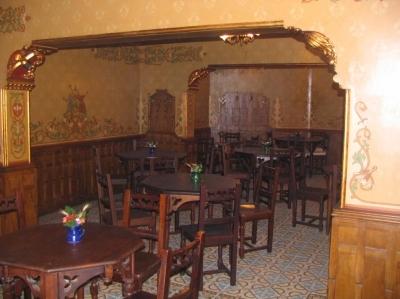 CARUL CU BERE Restaurant