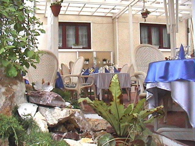L' ESPERANCE Restaurant
