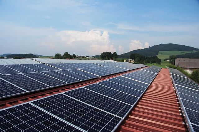 Ghid de achizitie - Panourile solare plane sau cele cu structura vidata?