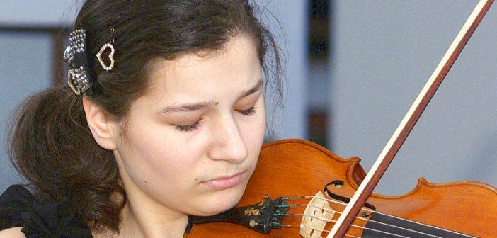 De la Salzburg la București. Violonista Alexandra Bobeico